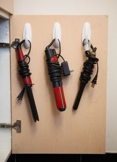 command hooks to hold beauty tools