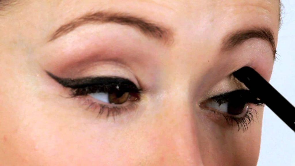 eye-crease-contour