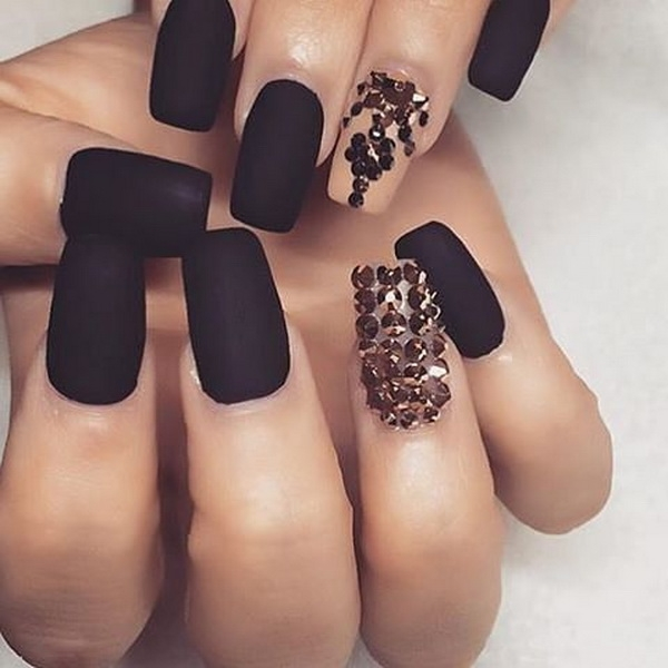 A Black A Nail Design - Trendy Nail Designs To Copy Right Now