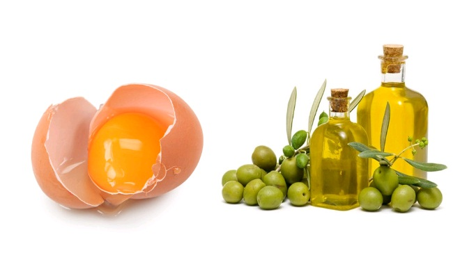 egg-yolk-and-olive-oil