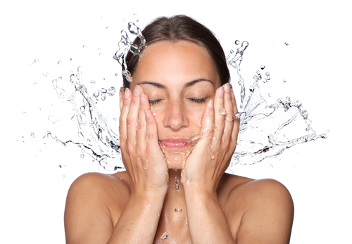 Why You Should Wash Your Face With Sparkling Water