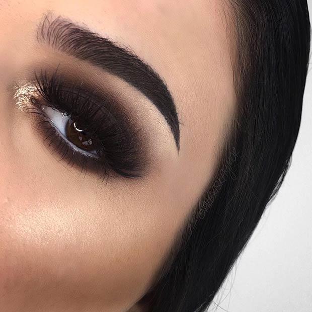 black-smokey-eyes-with-gold
