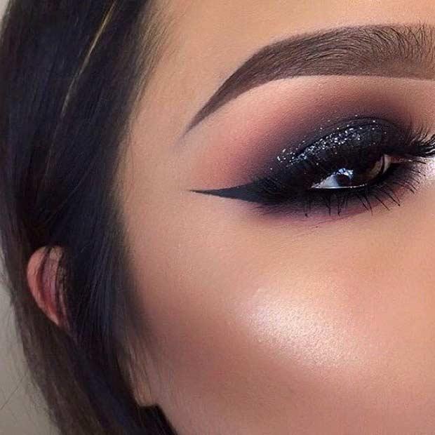 glittery-smokey-eyes