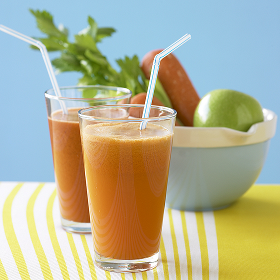 apples and carrots juiced