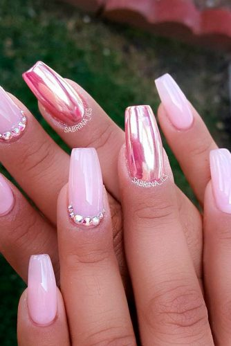 mirrored pink nails