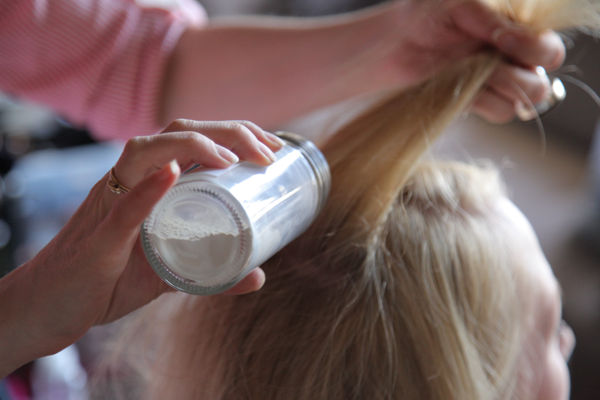 DIY Dry Shampoo For Light and Dark Hair
