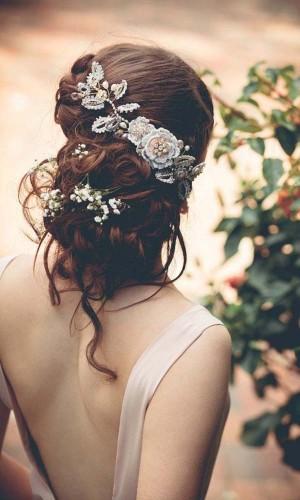 classy flowers wedding hair