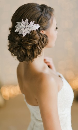 flower accessory wedding hair