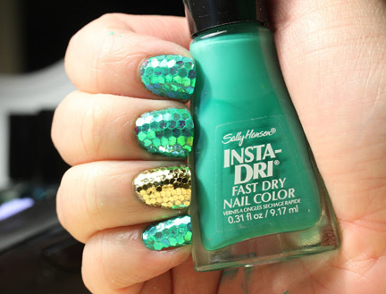 green scale nails