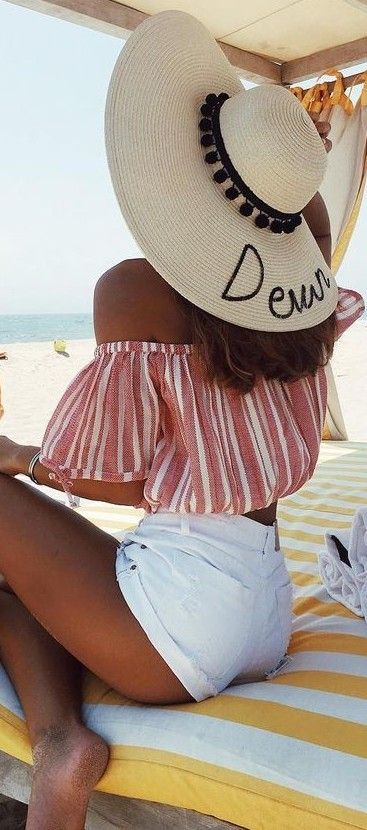 27 Super Cute Beach Outfits You Can Wear This Summer