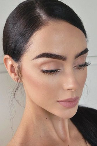 Natural Looking Makeup Tips For Hazel Eyes