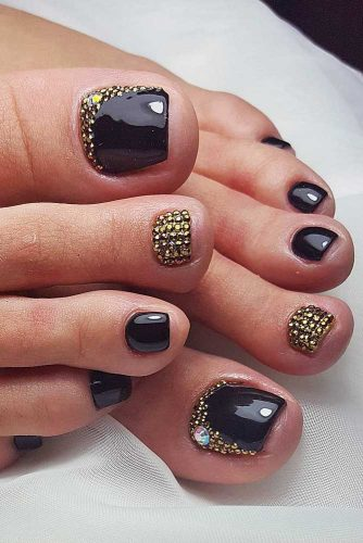 Summer toe nail designs youll fall in love with black rhinestones toe nail design prinsesfo Gallery