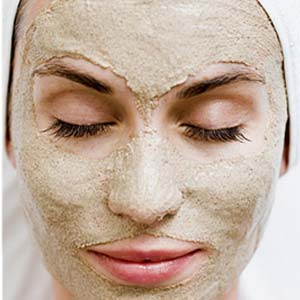 DIY Lavender Clay Mask For Dry Skin