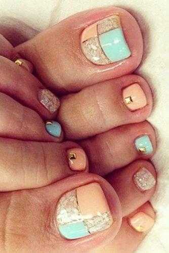 patterned toe nail design