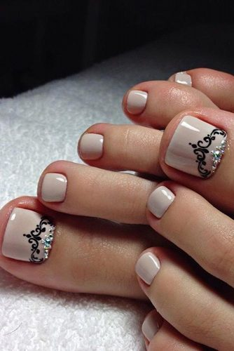 princess toe nail design