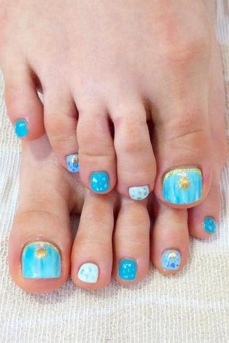 sea toe nail design