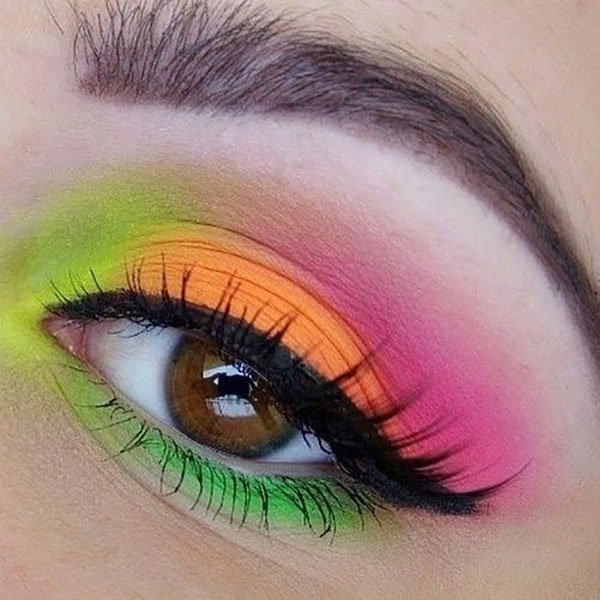 20 Unique Eye Makeup Looks To Drool Over