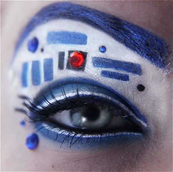 white and blue eye makeup