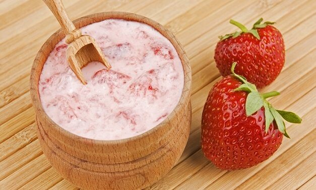 Mayo & Strawberry Hair Mask for Dry Hair