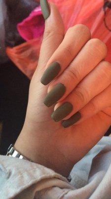 16 unique matte nail designs you'll love