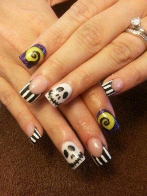 beetlejuice nails