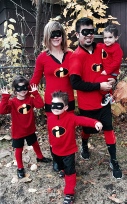 The Incredible Family. incredibles halloween costume  sc 1 st  StyleTips101.com & 24 Amazing Family Halloween Costumes