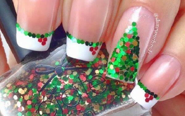 30+ Festive Christmas Nail Ideas