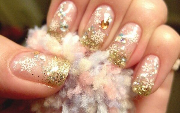 30+ Christmas Nail Designs You'll Fall in Love With!