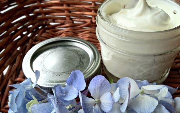 DIY Coconut Shaving Cream With Vanilla Extract