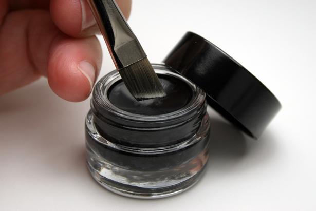 diy makeup eyeliner