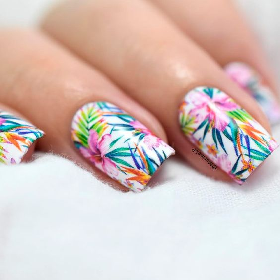 19 Beach Inspired Nails To Fall in Love With
