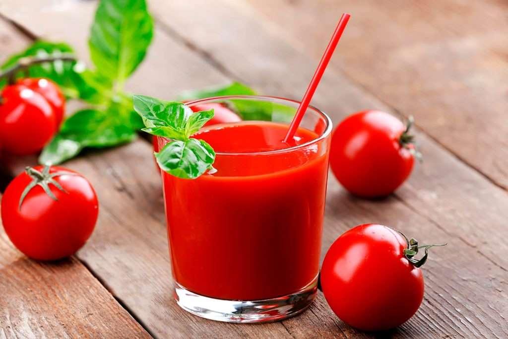 tomato juice and aloe vera face mask